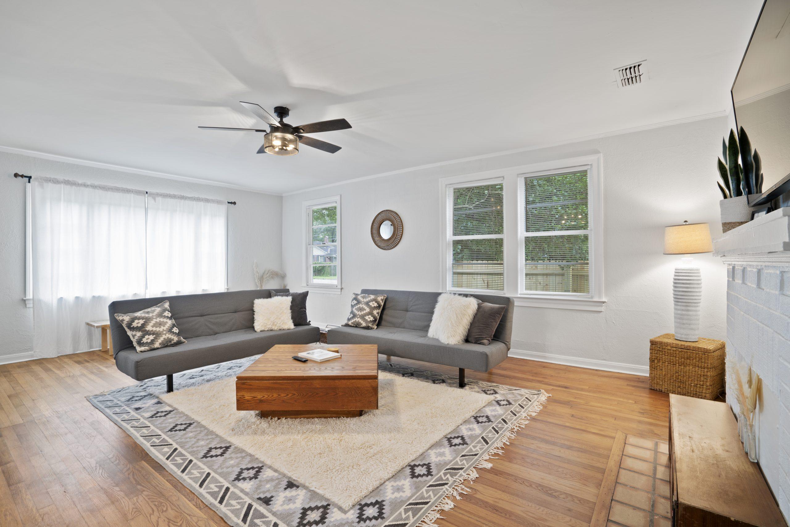 06-Living Room 4