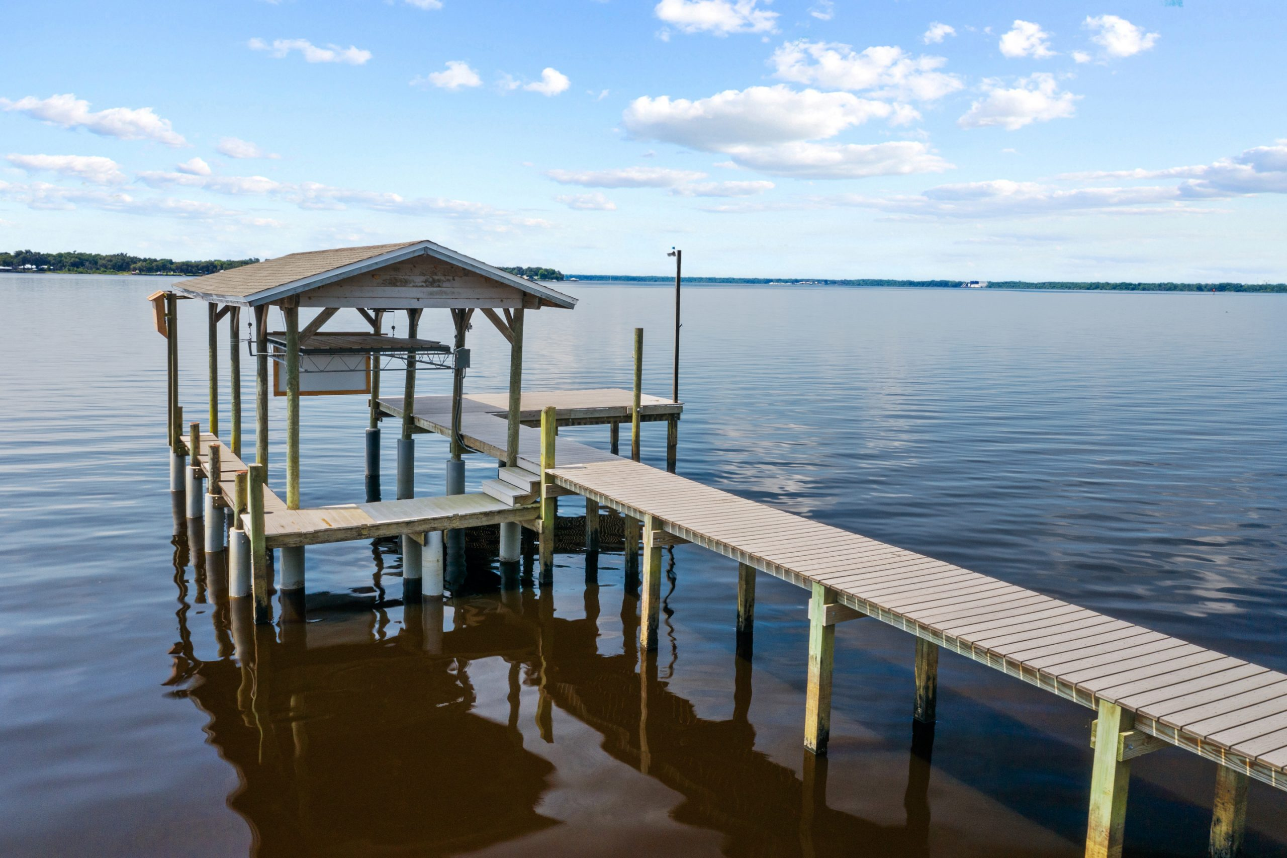 305 West River Rd-39