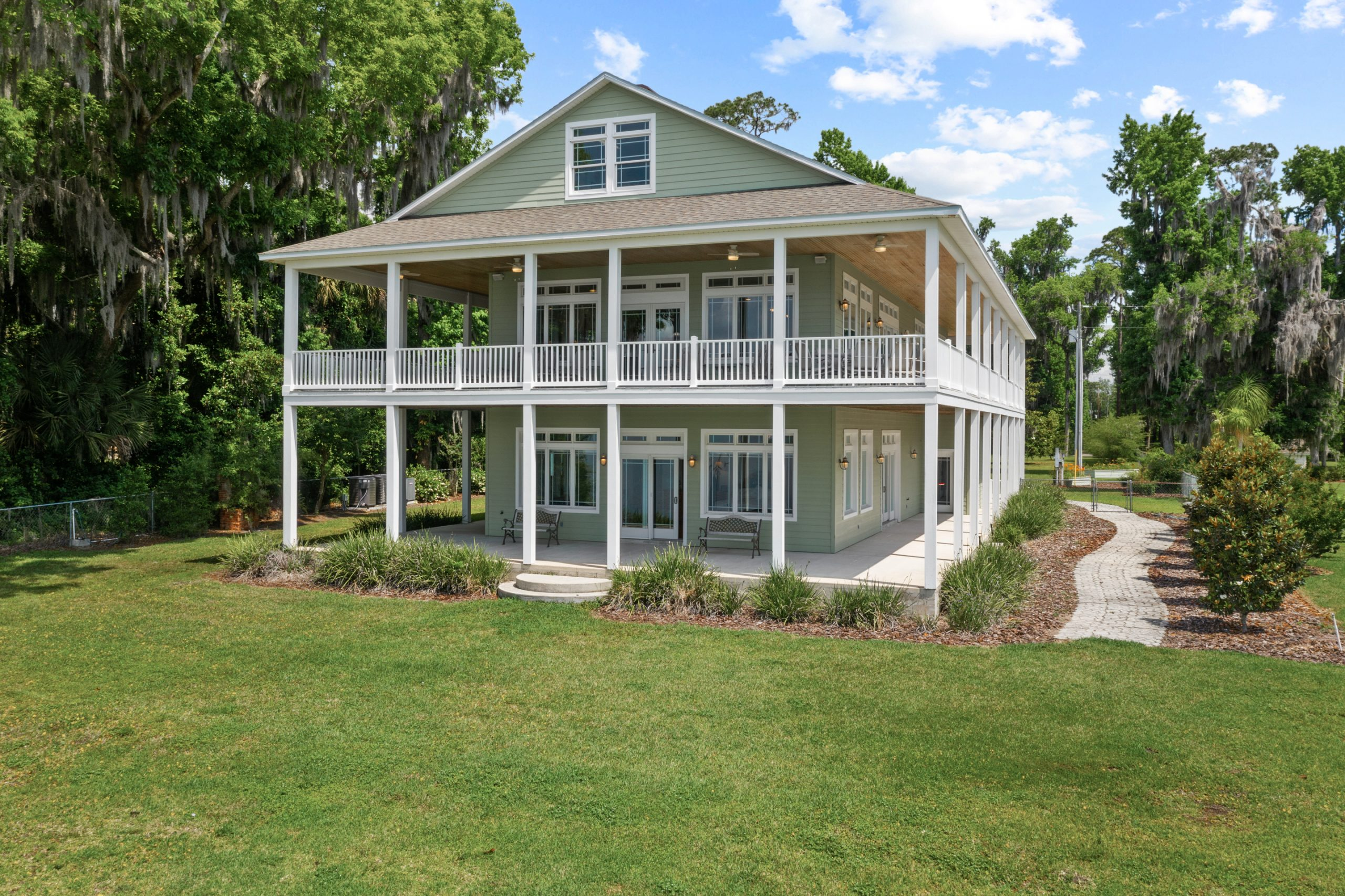 305 West River Rd-43